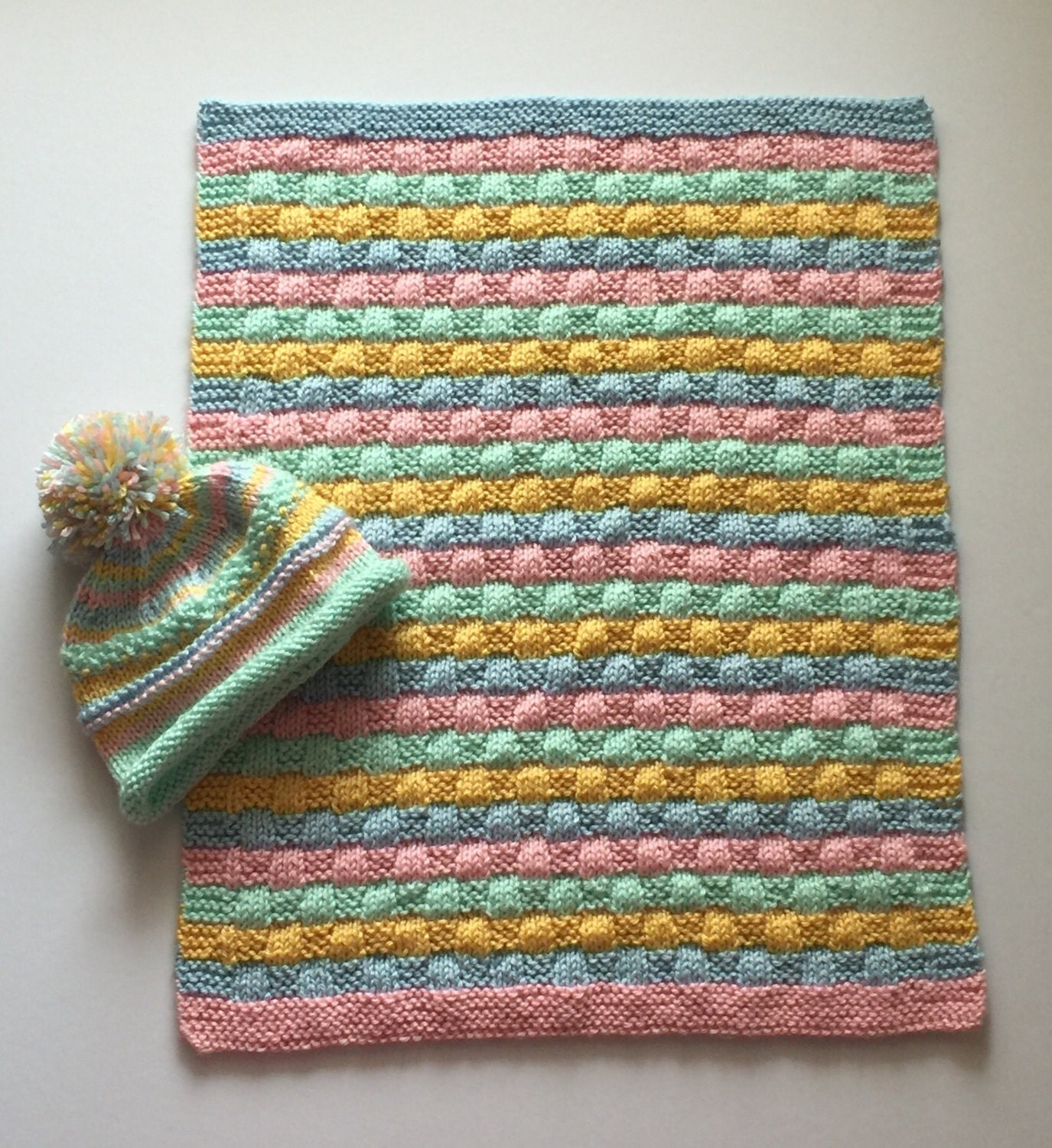 Knit Pattern For Baby Car Seat Blanket : Knit baby car seat/carrier blanket