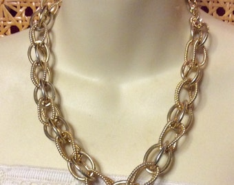 Vintage double loops chain link necklace