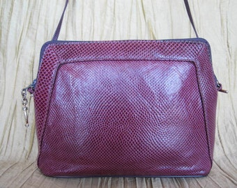 Purple Lizard Purse / 80s Plum Lizard clutch / vintage Purple lizard Crossbody / 80s Supreme purse /  converts clutch to shoulder bag