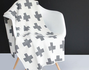 Cotton Knitted Throw Blanket - 80% Recycled Cotton Fibers - Grey and Ivory Swiss Cross