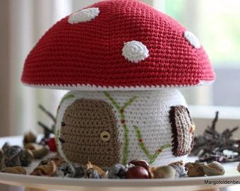 Crochet large mushroom/Crocheted large mushroom