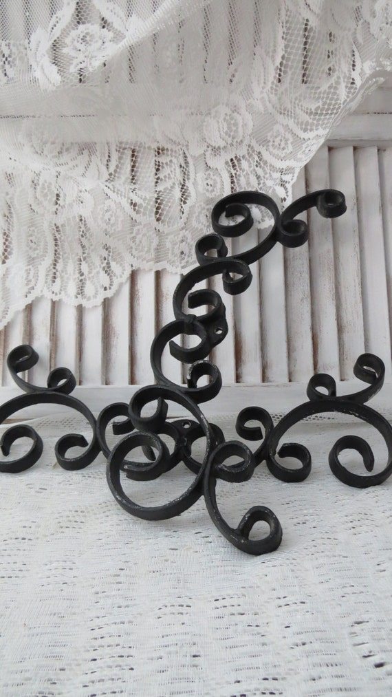 black iron scroll wall decor project set of 2. Black Bedroom Furniture Sets. Home Design Ideas