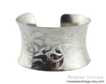 Silver Flower Cuff Bracelet, Silver Flower Bracelet, Wide Silver Cuff Bracelet, Chunky Silver Cuff Bracelet, Silver Gauntlet Bracelet