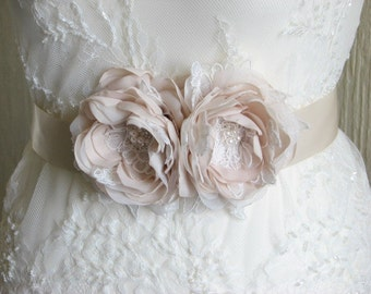 Champagne wedding sash Champagne dress sash Champagne lace sash Wedding sash Ivory lace sash Champagne wedding belt Ribbon sash Ivory sash