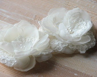 Ivory hair flowers Ivory hair pin Ivory lace hairpiece Wedding hair flower Ivory wedding flower Ivory hair pin Wedding headpiece Ivory clips