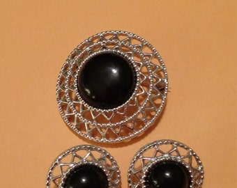 Vintage Sarah Coventry Silvertone Faux Black stones. Brooch/Clip On Earrings.