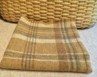 Wool Fabric Fat Quarter Milk and Honey Gold W202