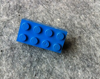 Lego brick brooch // blue // Made in Rotterdam