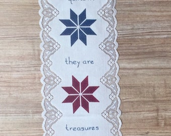 Friends Are Like Quilts Doily Style Wall Hanging