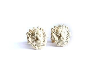 Lions post earrings. Gold lion stud earrings Lion head posts, lion earrings, leo gift Animal earrings, Leo earrings, Lion lovers jewelry