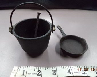 Items Similar To Small Cast Iron Skillet With Maine