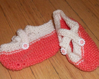 Child slippers, Coral and White, Hand-knit