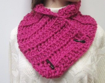 Pink Chunky Scarf, Fashion Scarves, Womans Neckwarmer, Gift For Women, Button Wrap Scarf, Chunky Scarves, Crochet Scarves, Fabiana B1-005