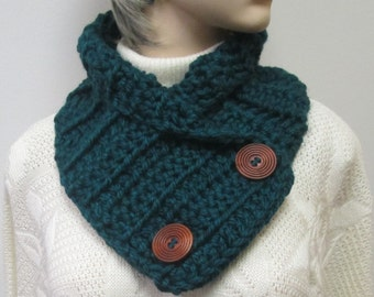 Dark Forest Green Chunky Scarf, Crochet Button Wrap, Warm Winter Scarf, Womans Chunky Scarf, Fall Scarves, Button Wrap Cowl, Fabiana B1-011