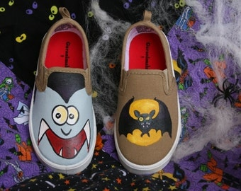 HALLOWEEN VAMPIRE SHOES, Hand Painted shoes, Bat shoes, Vampire Costume, Bat costume, Sizes 2-12, monster shoes