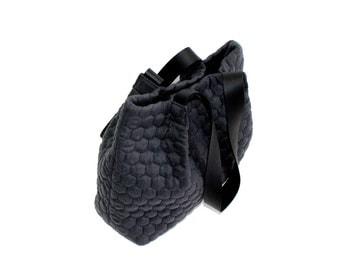 grey handbag, dark  grey quilt tote bag,  black leather straps bag, canvas handbag, every day bag, shoulder bag, large tote bag, women bag