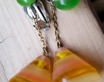 Unbelievable lucite drop earrings from the 1950s 60s era ..the colors are so vibrant and fun..about an inch and a half dangle