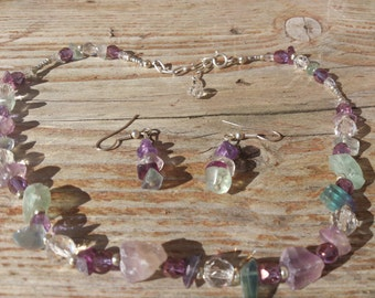 Gemstone chip necklace and earrings set