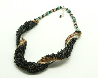 Open weave spiral necklace