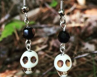 Halloween earrings - skull earrings - fall earrings - skeleton earrings - autumn earrings - black crystal - hand made - dia de los muertos