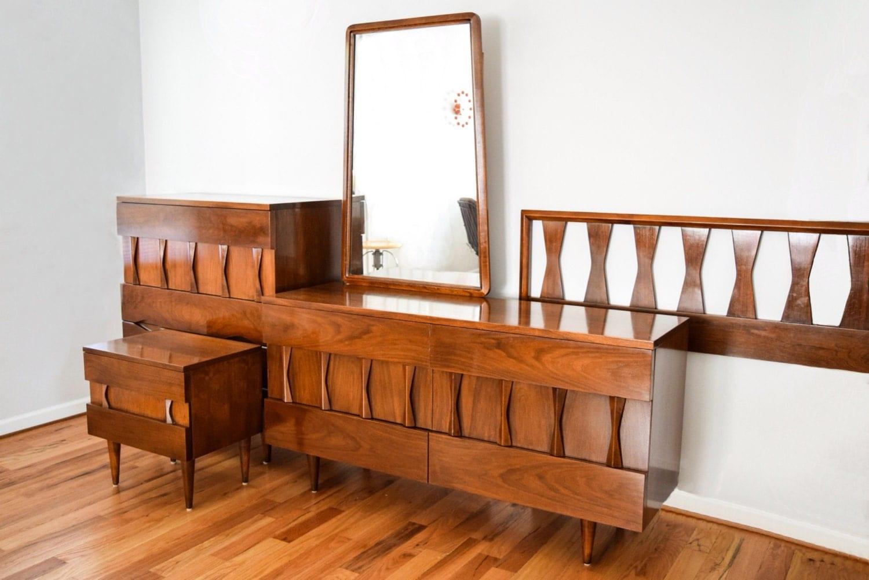 Mid century bedroom set beautiful american of martinsville for Mid century modern bedroom set