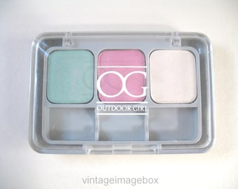 Outdoor Girl Max Factor eyeshadow vintage makeup 1980s, green pink colours Acapulco, 80s cosmetics, vanity accessory,