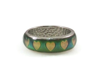 Stunning Mood Ring with 3D Hearts - Size 9