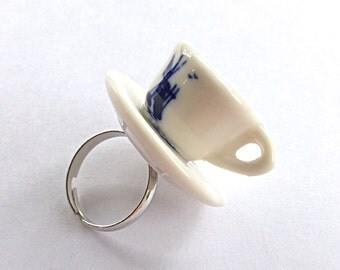 Teacup and saucer ring, miniature teacup