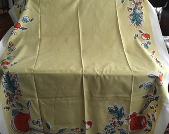 Vintage 1950s Yellow/Gold Tablecloth