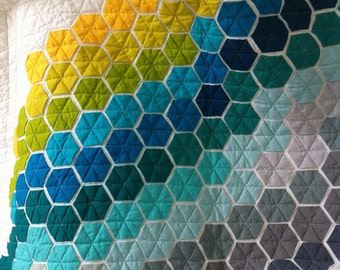 Baby quilt, modern hexagon quilt, cot patchwork quilt, modern bright hexagon quilt, baby hexagon crib quilt