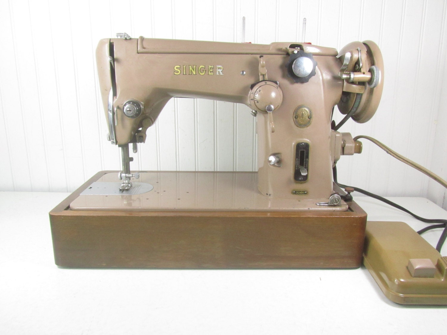 Vintage Singer Sewing Machine Tan Sewing Machine The Singer