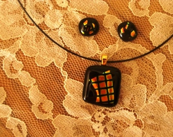 """Dichroic glass necklace & earring set black /pink/gold/ 20mm x 20mm oblong 10"""" black cable choker."""