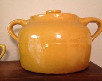Bauer Bean Pot 2 Quart Yellow with Lid