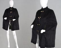 Vintage 60s 70s Faux Fur Cape Coat Fake Fur Coat Military Buttons Fall Winter Cape Shaggy Fur Carnaby Street Style 1960s Capelet Goth Cape