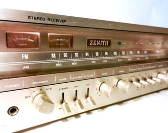 Vintage Stereo Receiver by Zenith