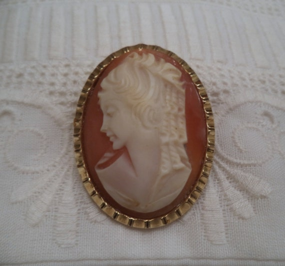 Custom Cameo Resin Pins Diy: Vintage Hand Carved Shell Cameo Brooch Pendant / Pin FREE