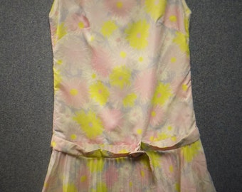 1960 Ruffled Pink Dress, Bust 33