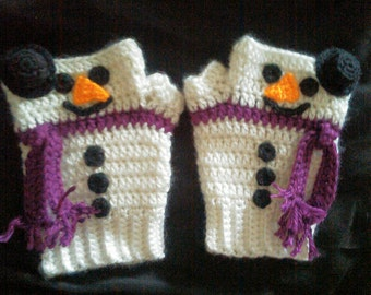 Adorable Do You Want To Build a Snowman Gloves.