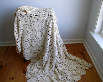 Vintage Hand Crochet Ecru Cotton Coverlet