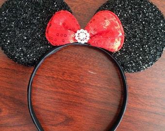 Minnie mouse headband / minnie mouse ears bow