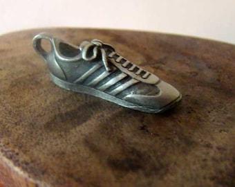 VIntage jogging shoe jewelry charm, jogging shoe, snarakers, jewelry charm
