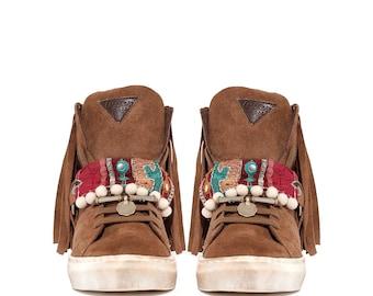 Tribal sneaker