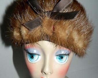 Vintage Ladies Light Brown Bee Hive Mink Fur Hat