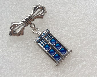Doctor inspired Police Box Brooch, Phone Booth Lepel Brooch, Tardis Pin, Gift for Fans