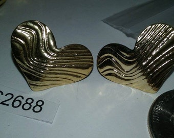 Vintage earrings gold tone 1980's old stock c2688