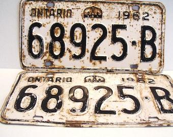 Vintage 1962 Ontario Licence Plates Car Automobile Pair 68925-B White Canada