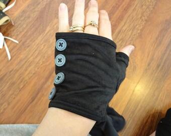 Black fingerless stretch gloves