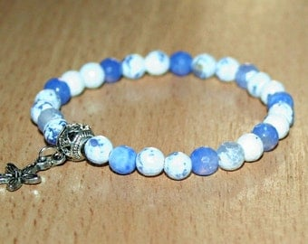 Agate small blue and white beads stretch bracelet. 5 - 6mm faceted agate beads bracelet.