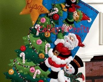 "Bucilla The Finishing Touch ~ 18"" Felt Christmas Stocking Kit 86278 Santa Frost DIY"