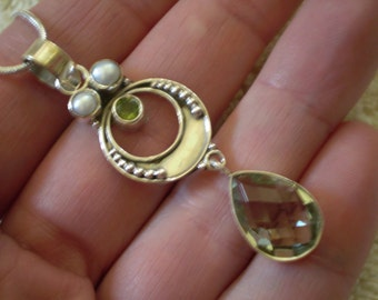 Green Quartz (Natural) Peridot (Natural) White Freshwater Pearl (Natural) 925 Sterling Silver Necklace - 18 Inch